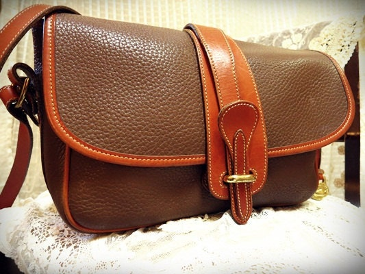 Vintage Dooney and Bourke handbag purse All weather leather 1980&39;s shoulder strap purse