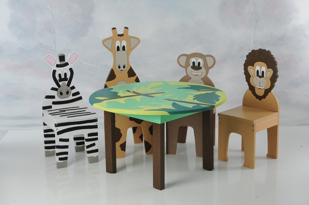 NEW IChart Kids Table And Chairs Set With 4 Animal By Ichart