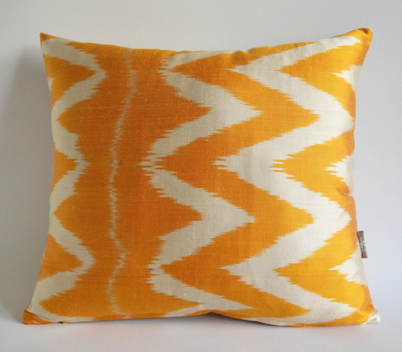 Sukan / SALE, Decorative Pillow,Throw Pillow Cover, ikat Velvet Pillow Cover Silk Ikat Pillow, Zigzag Ikat Pillow, Yellow Pillow