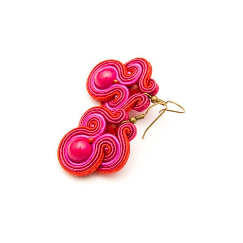 Soutache earrings in bright colors (fuschia, red ) / bohemian and mexican style / medium size / hand embroidered jewelry wholesale - MANUfakturamaanuela