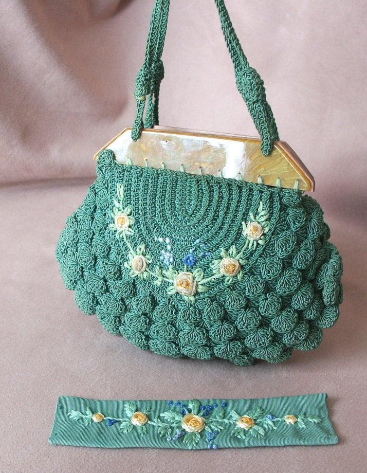 Vintage 1930s Crochet Handbag with Bakelite by momodeluxevintage
