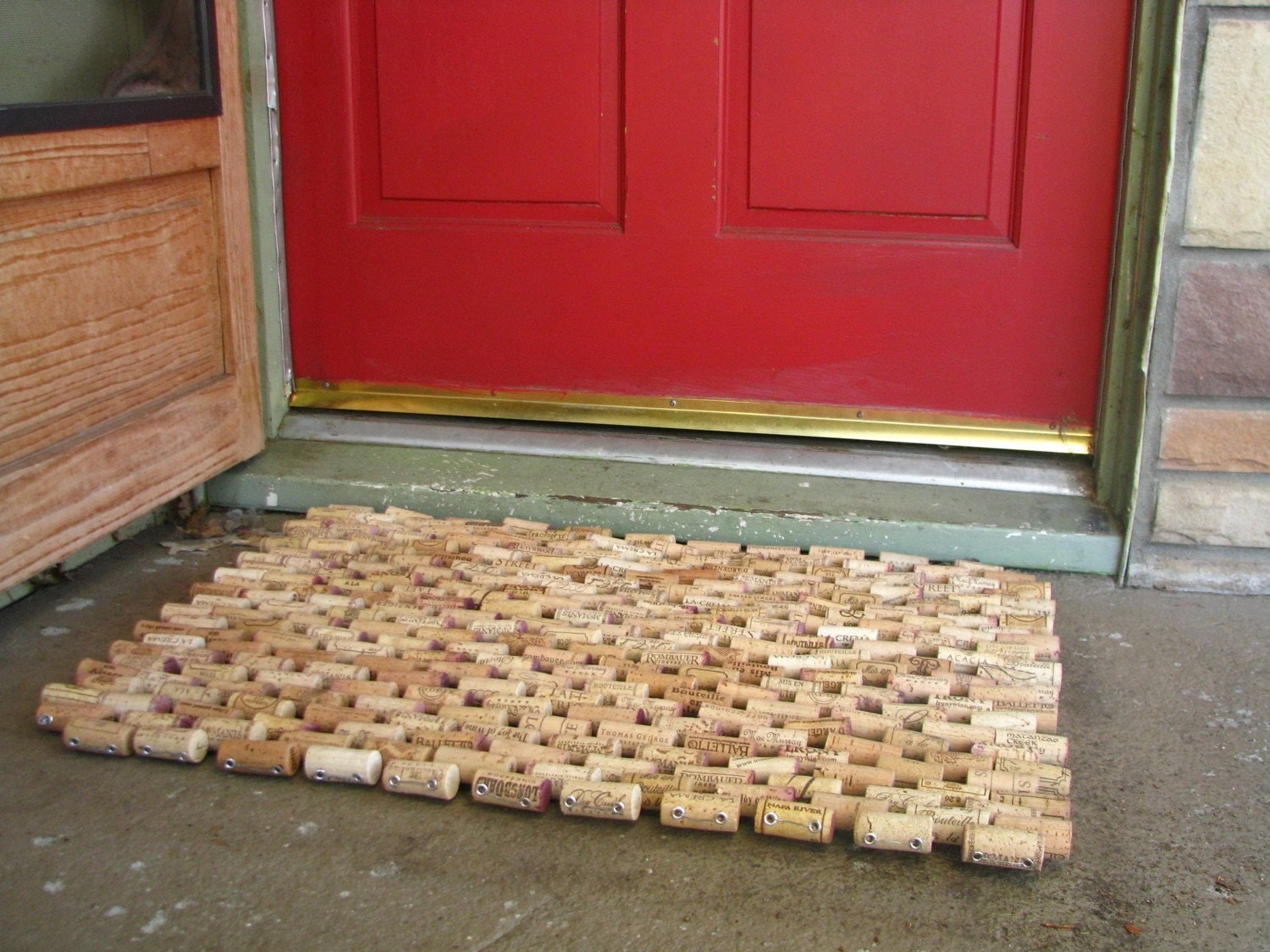 Recycled wine cork doormat by sarahracha on etsy for Cork craft