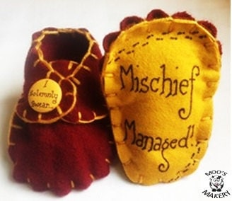 Harry Potter inspired Gryffindor 'I solemnly swear' 'Mischief Managed' - red yellow baby booties handmade wool felt with buttons