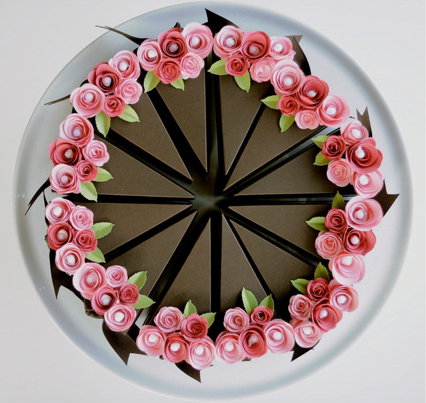 Цветы из бумаги на торт