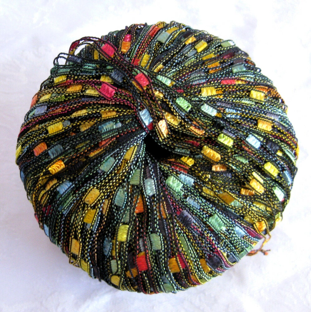 Ladder Ribbon Yarn Green Red Gold HAWAIIAN PARROT By