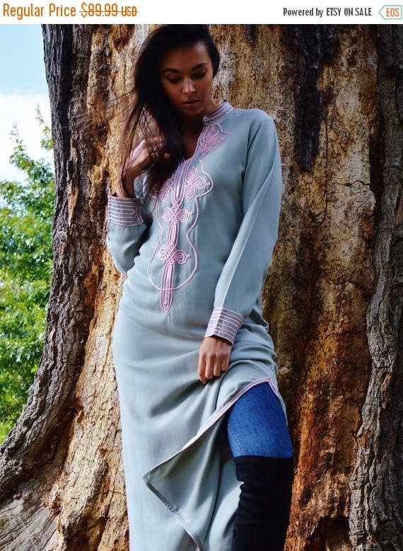 10 OFF Summer SALE  Autumn Winter Grey with Baby Pink Moroccan Caftan Kaftan Aishaloungewearresortwearrobe great for birthdays Honey