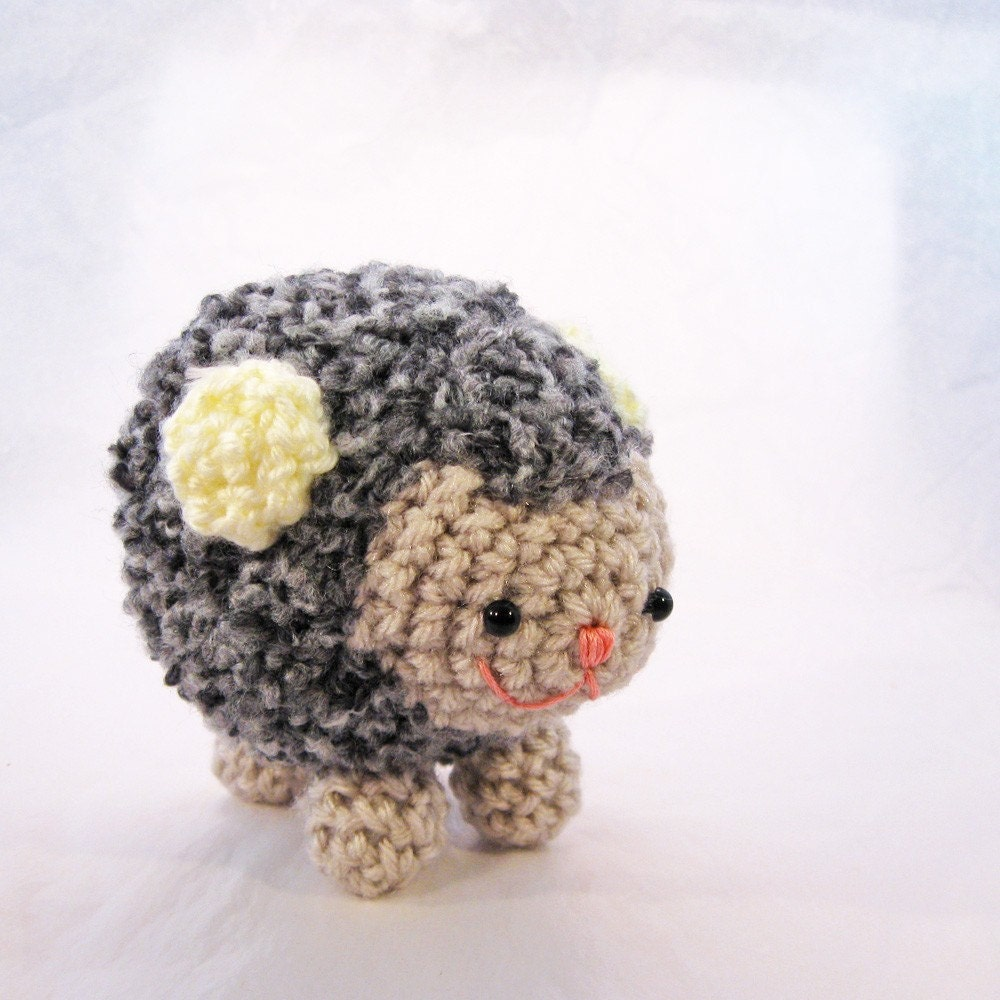 cute amigurumi toys and crochet patterns
