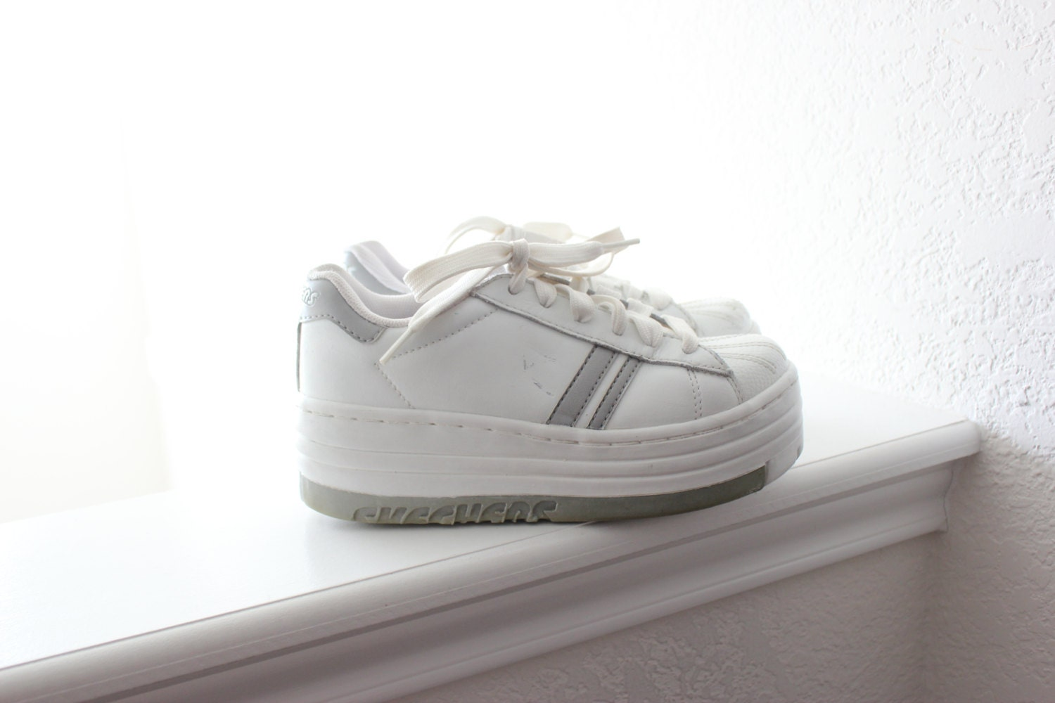 90's white platform skechers tennis shoes 6.5