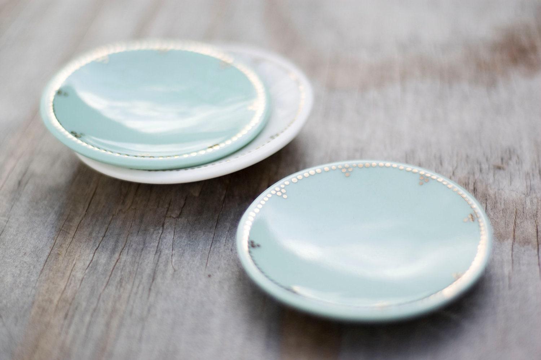 Porcelain Ring Dish with gold luster - tiffinstudio