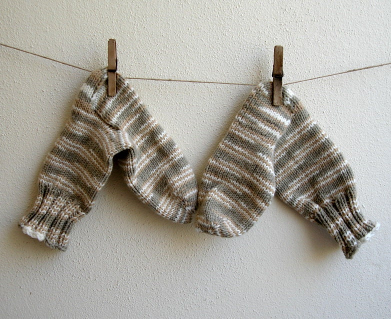 Handknited Earth Tones Unisex Socks  Size  M gray green khaki ivory brown striped - boutiqueseragun
