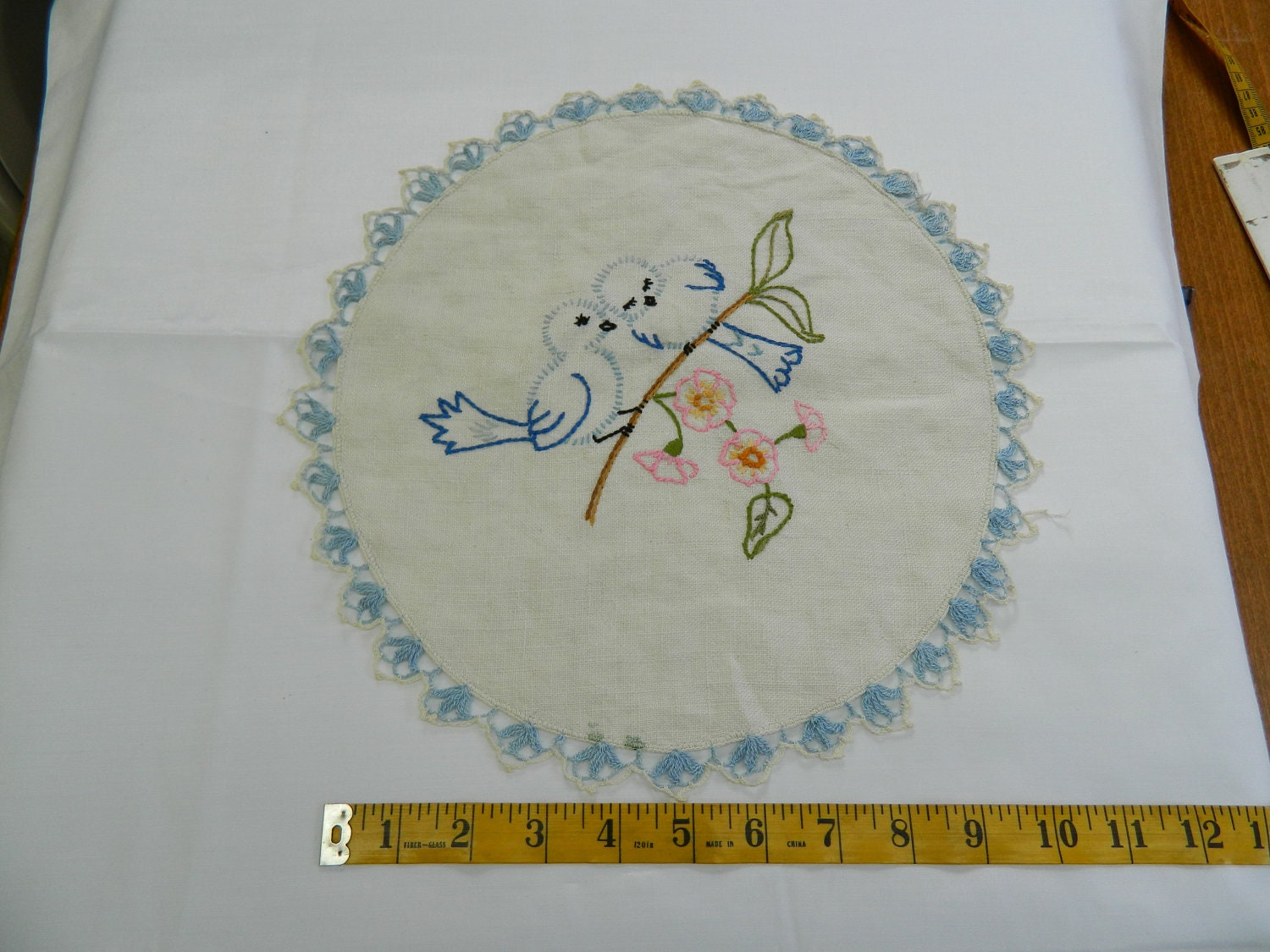 Beautiful Embroidered Blue Birds Vintage Doiley (149E) - GrammysShop