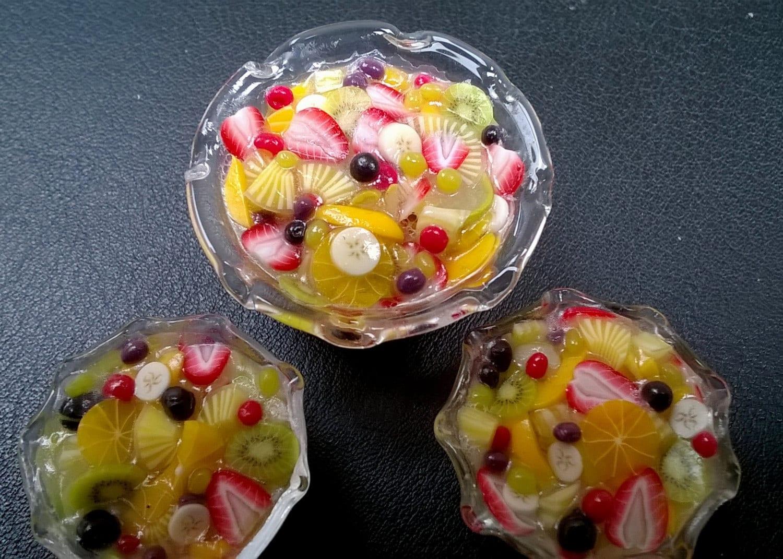 Dolls House Food Miniature Food   OOAK  A Charming  Fine GLASS BOWL of Fresh Fruit Salad  Fruit Cocktail  Realistic