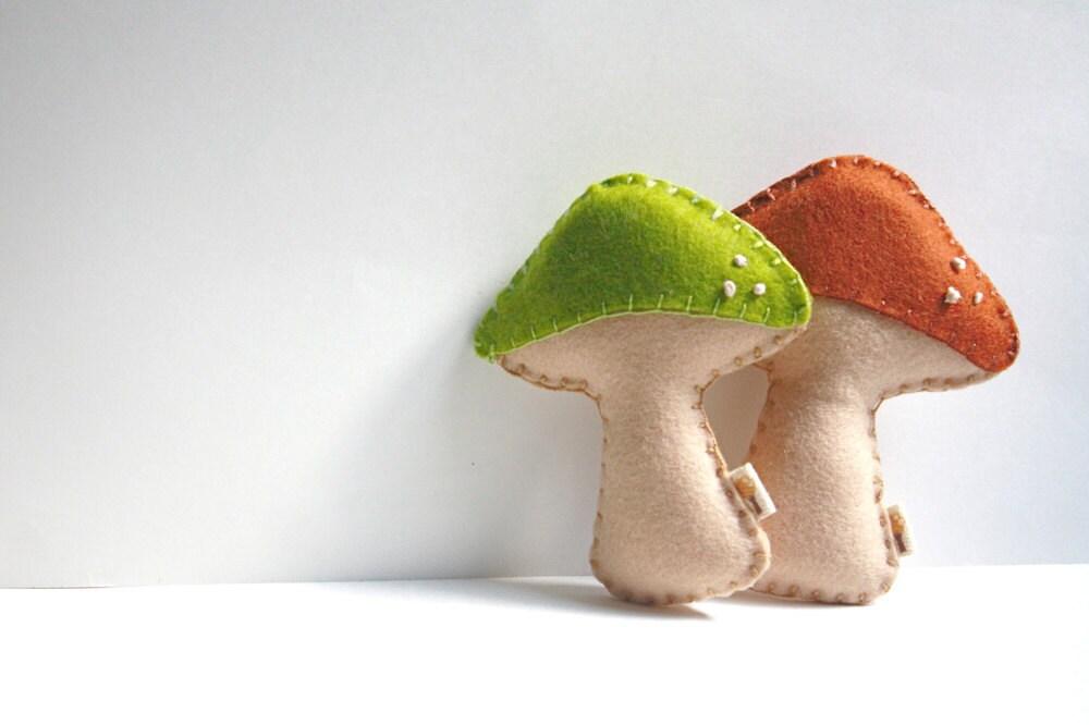 Mushroom Rattles Set / Wool Felt / Organic Cotton Stuffing - stephaniemonroe