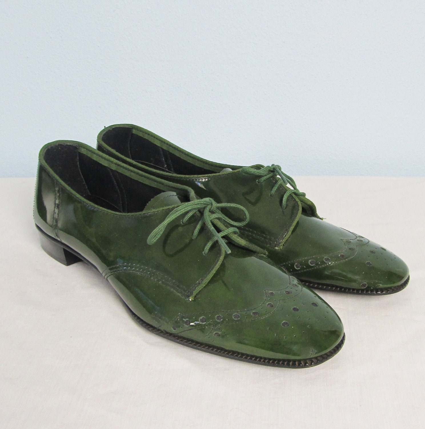 Vintage 1960u0026#39;s Patent Olive Green Oxford Shoes /// By JLVintage