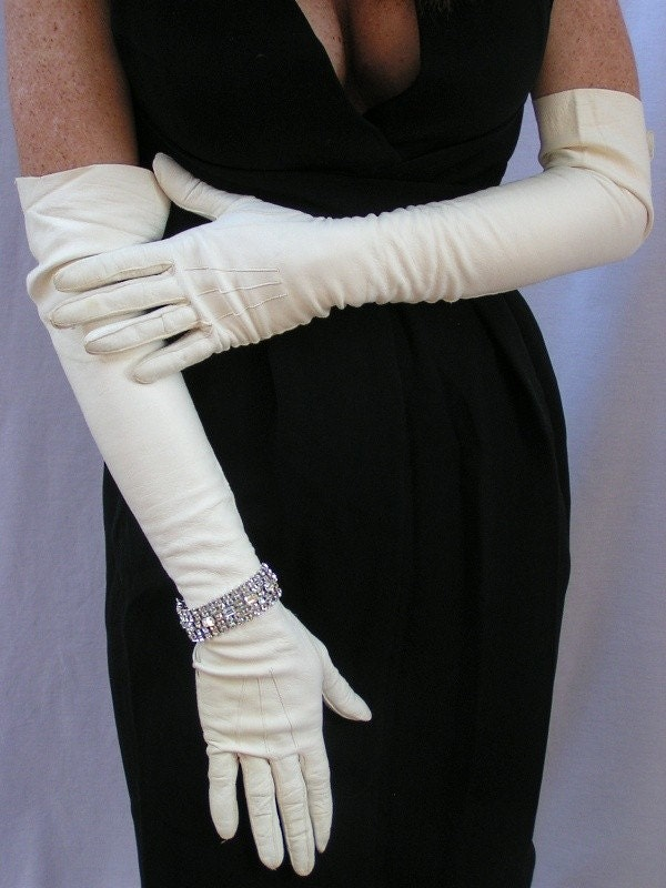The History of Opera Gloves