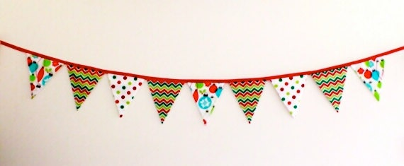 Christmas Flag bunting in red, green and white - LaLaLaDesigns