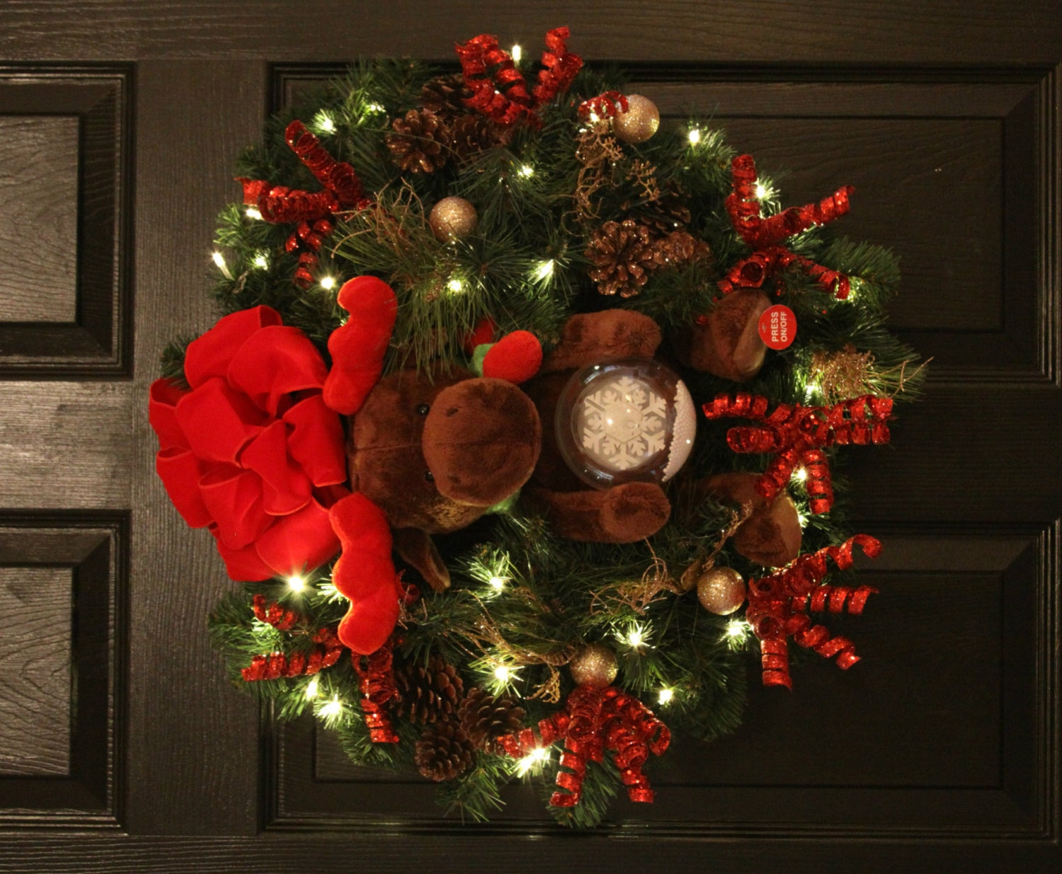 Joy to the world animated christmas wreath w by welovewreaths