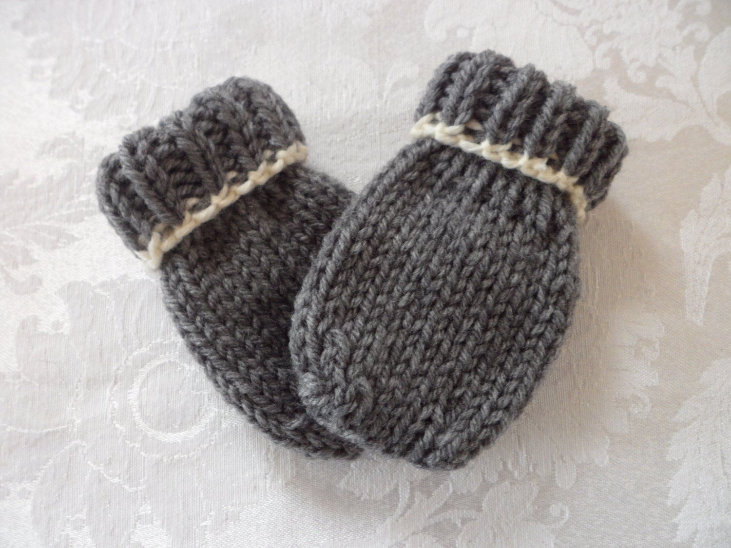Knitting Pattern For Thumbless Mittens : Baby Mittens Thumbless Hand Knit in Sizes by handknitted4you