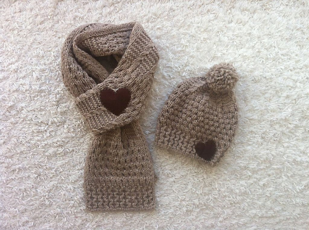 SPECIAL PRICE, Valentine's Day Gift, Hat Scarf Set, Heart Scarf, Heart Hat, Beige Scarf, Beige Hat, Brown Heart - yastikizi