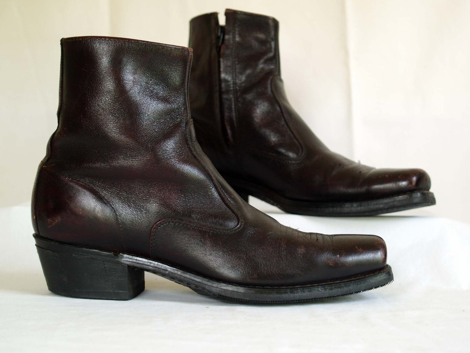 vintage s boots in a brown leather beatle by