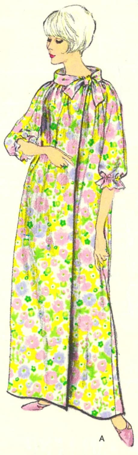 Vintage Vogue Robe Pattern 6831 Uncut size 10 - 12 FREE Shipping - SewReallyCute