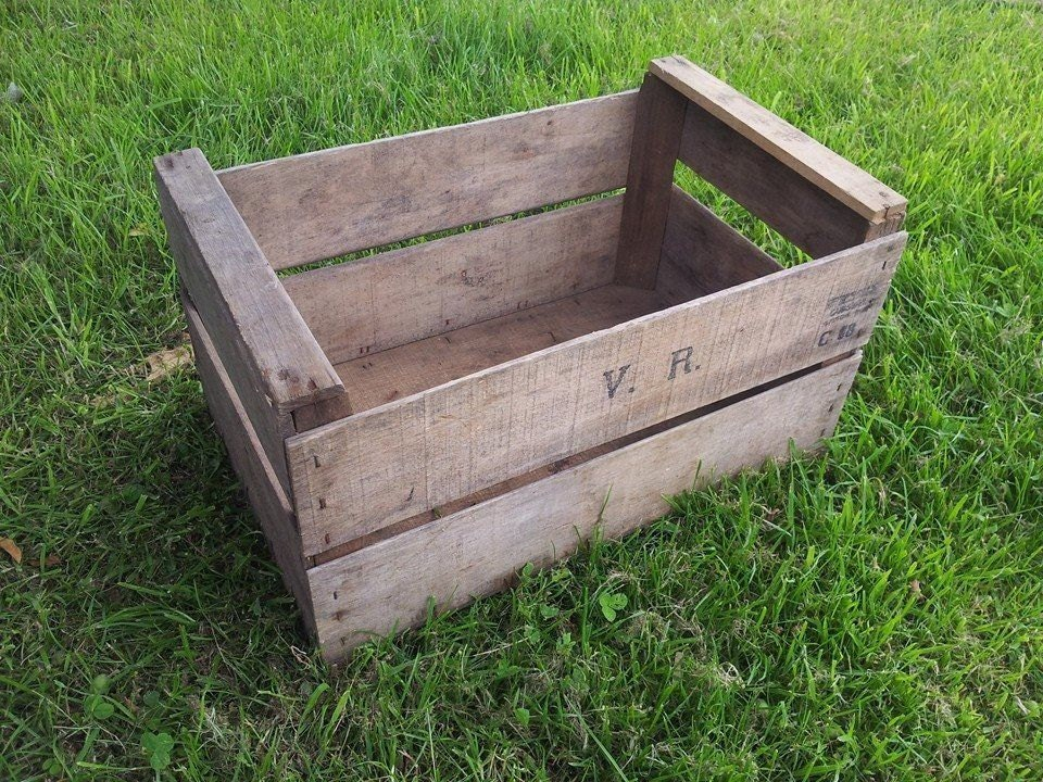 3 x APPLE FRENCH Wooden Vintage Storage Crate apple bushel Box Rustic Shabby Chic  Storage shelving Bedisde table and drawers ideas!