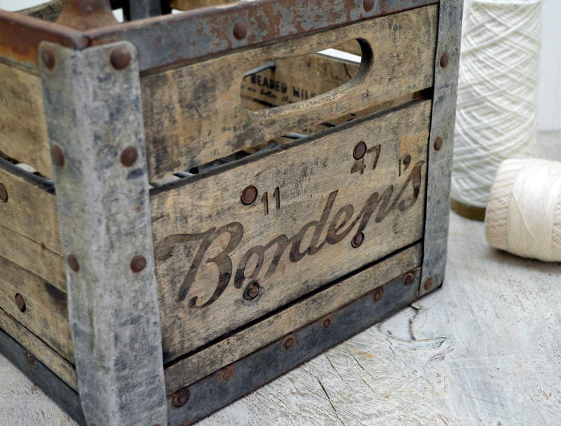bordens wooden milk crate 1940 39 s wood dairy by oldtimepickers. Black Bedroom Furniture Sets. Home Design Ideas