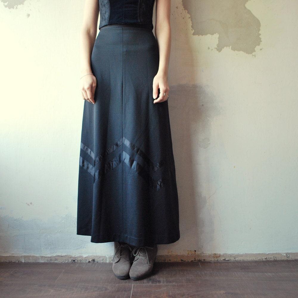 sale 70s black skirt chevron maxi by