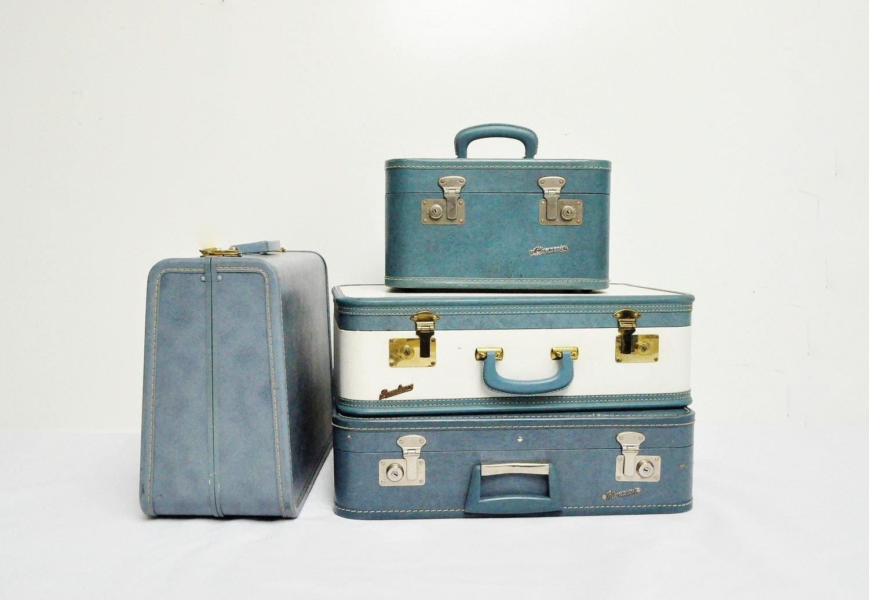 Mid-Century Taperlite Suitcase - Cornflower Blue - thewhitepepper