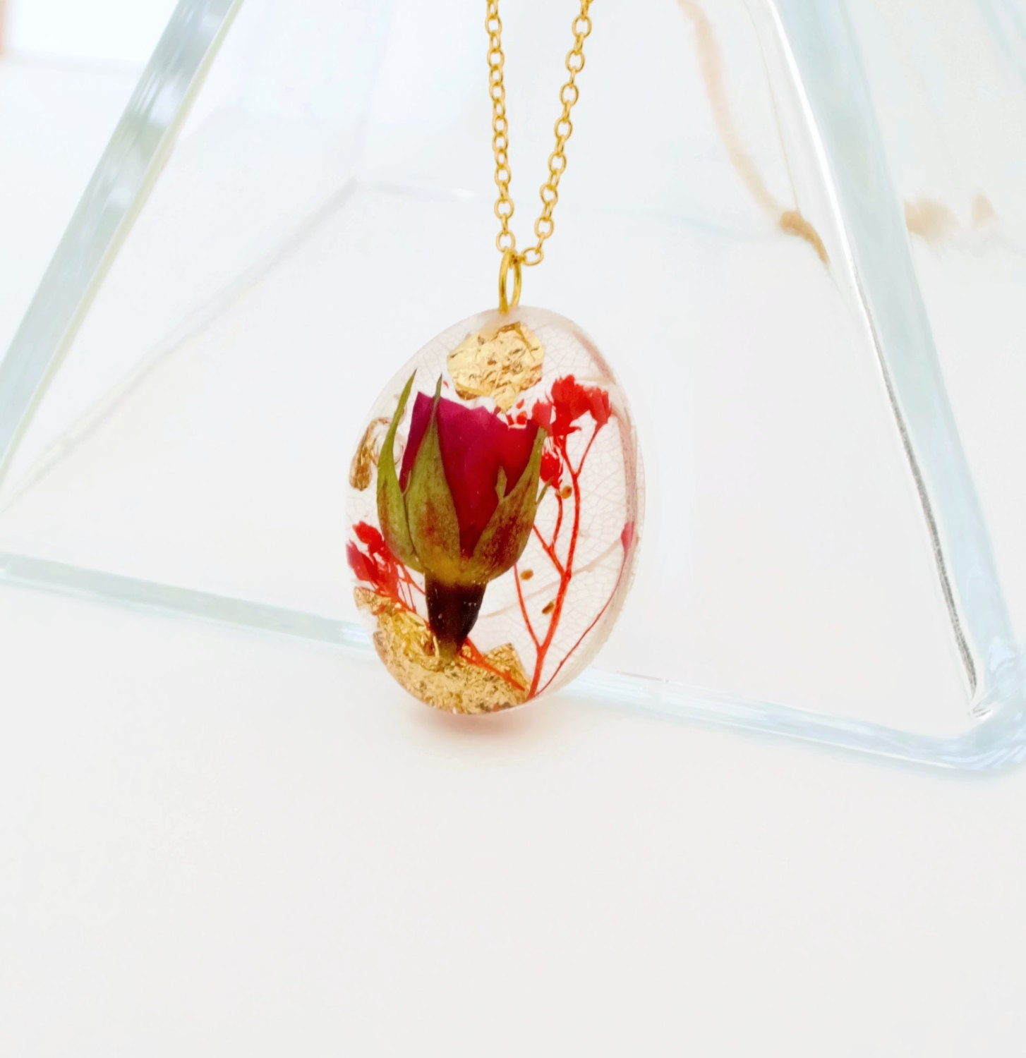 Communication on this topic: How to Make a Leaf Shaped Necklace, how-to-make-a-leaf-shaped-necklace/