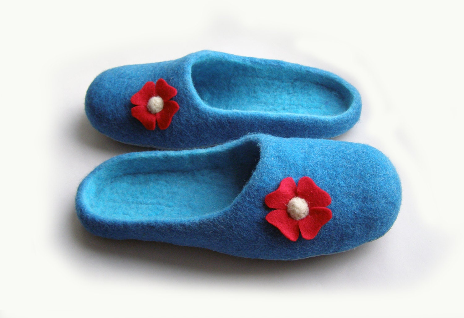 Women house shoes, felted wool natural slippers, Felted shoes flower