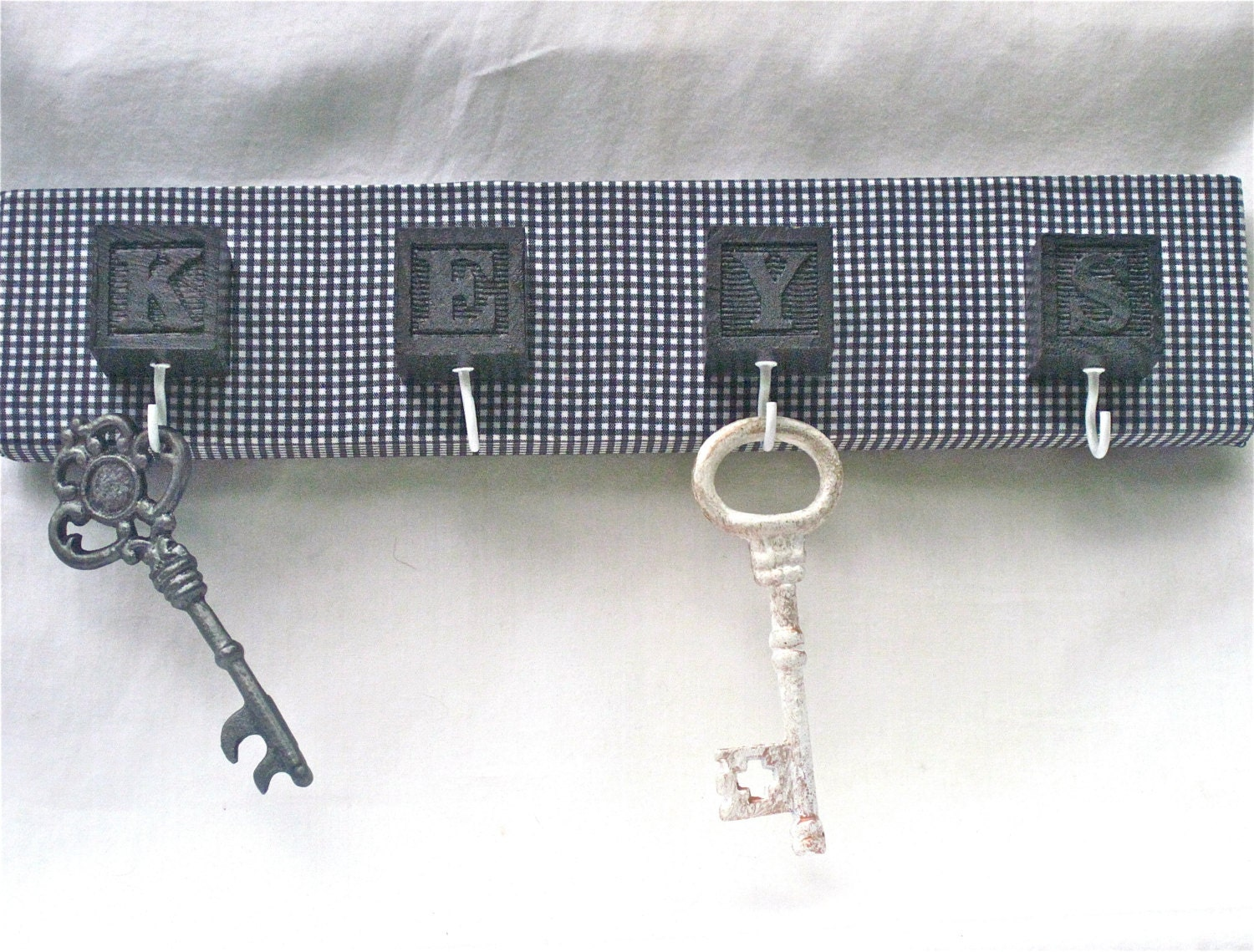 Wall Key Rack,  Black and White, Gingham - CasstheCrafter
