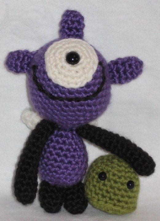 Amigurumi Little Monsters : Monsters under the Bed amigurumi crochet pattern by ...