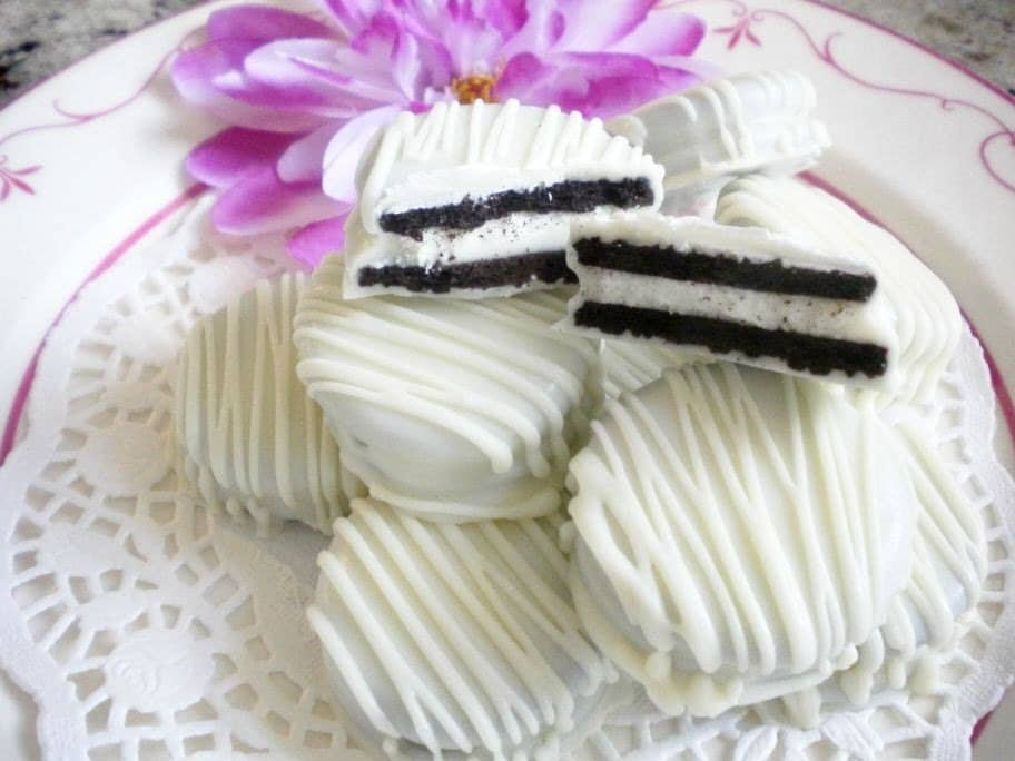 White Wedding Chocolate Covered Oreos Cookies By Sweettoothsweetie