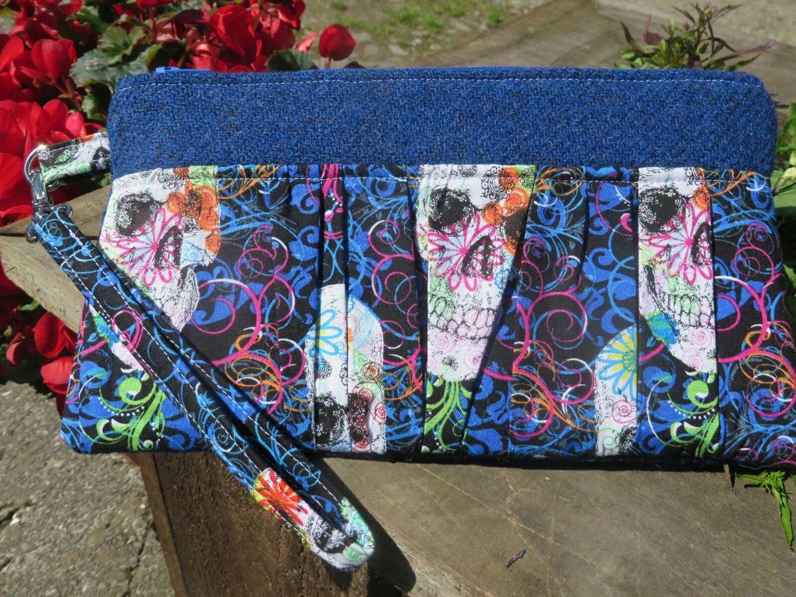 Harris Tweed Ruffled Wristlet Pouch ClutchBag skulls dark blue  Harris tweed
