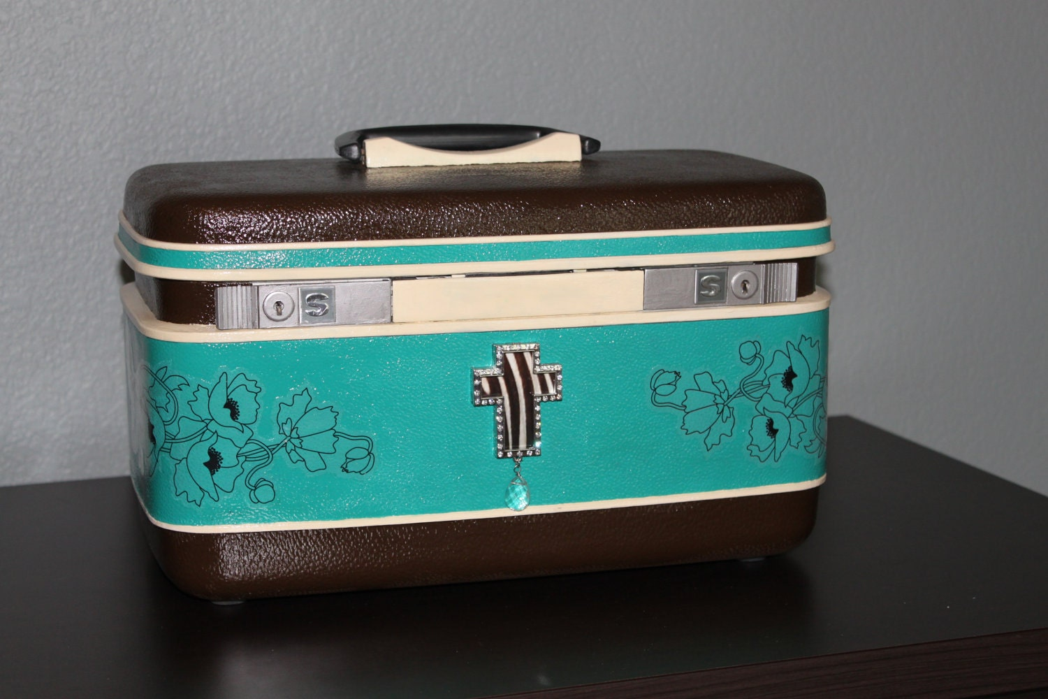 Vintage upcycled (with key) hand painted turquoise and brown with a cross train case: carrying case, art case, makeup case, jewelry case