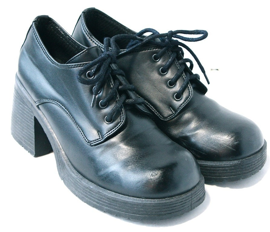 Vintage Black Oxford Style Womens Shoes // Size 7 US