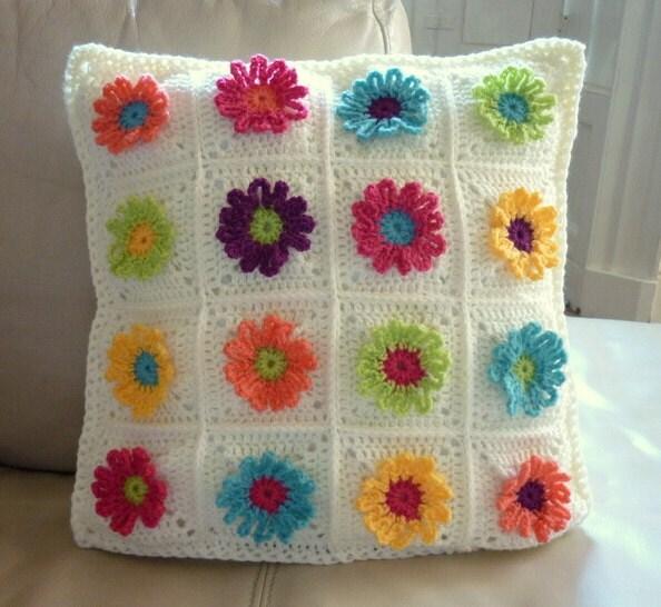 Daisy Chain Pillow Crochet Pattern - Colourinasimplelife