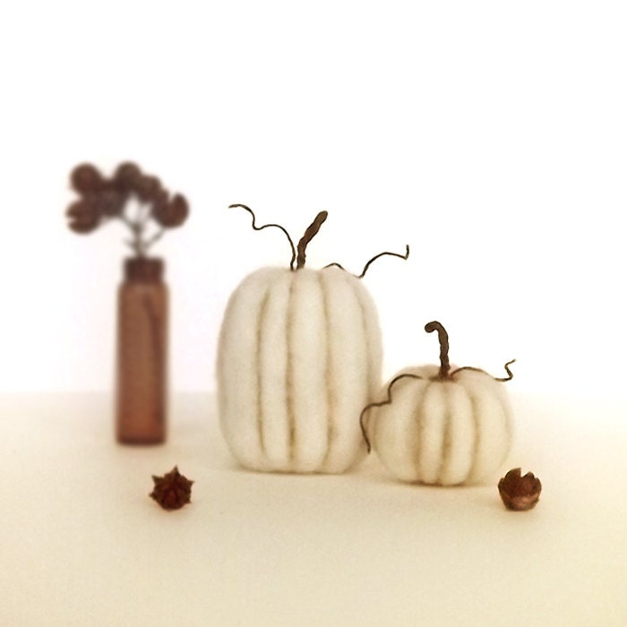 Harvest Pumpkins in Creamy White - Thanksgiving Home Decor Wool Miniatures Made To Order - FoxtailCreekStudio