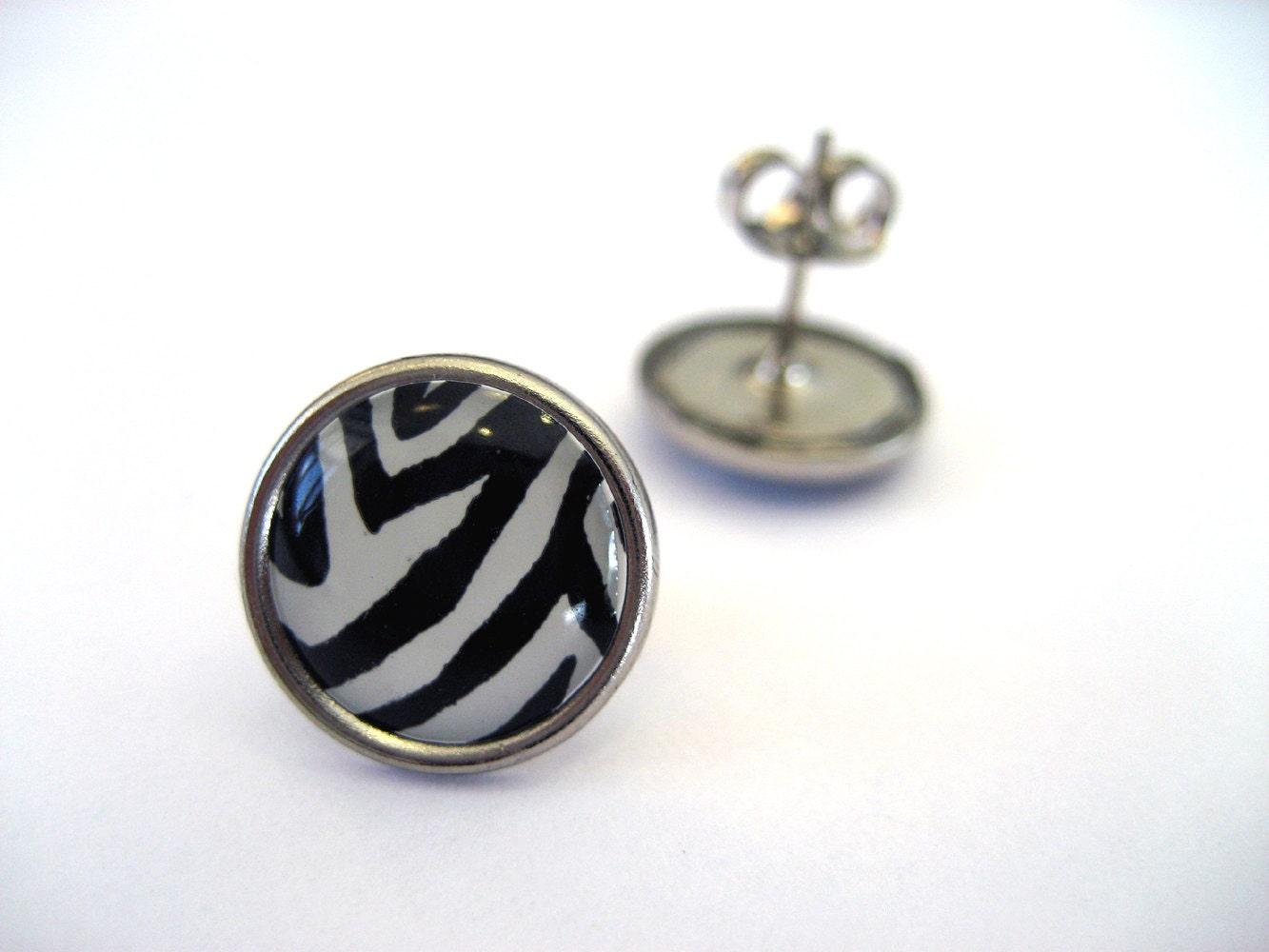 Zebra Studs - Black and White circular animal print post earrings - NightsRequiem