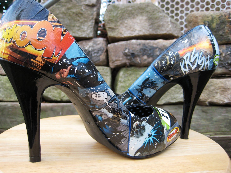 batman comic book decoupaged high heels shoes by captainkirks