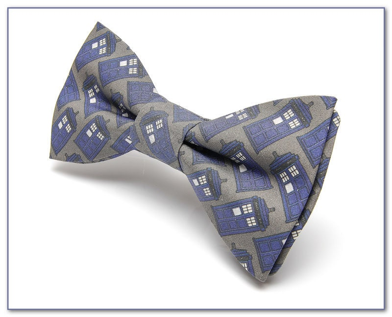 doctor who bow tie pretied bow tie by thedirectorscabin