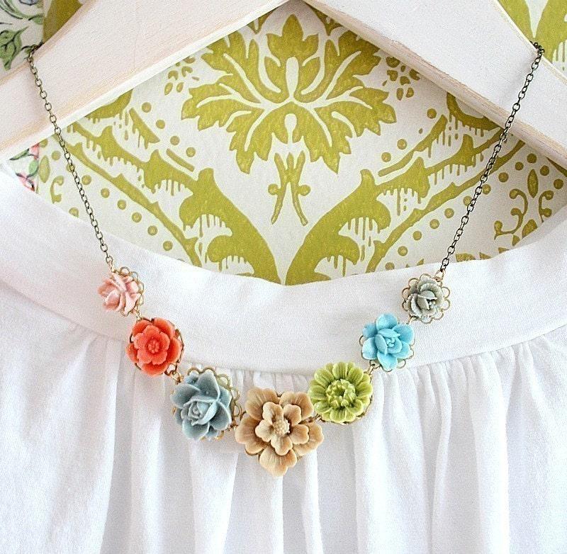 Bella Flower Necklace