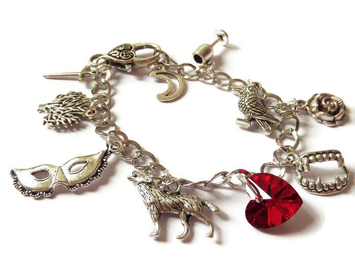 VAMPIRE DIARIES inspired Raven Vampire Fangs silver charm bracelet fan gift jewellery Uk