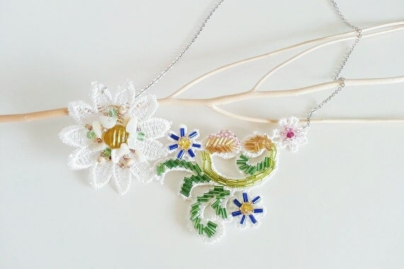 Lace spring colourful flowers Necklace bib statement coachella wedding - LarmesEtoilees