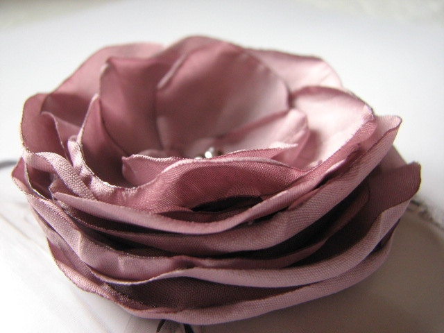 DUSTY VIOLET FLOWER,Bridal headpiece,Wedding accessory,Pale violet brooch flowers,Gift for her,Bridal violet,Bride flower,Bride headpiece - WhiteBridalBoutique