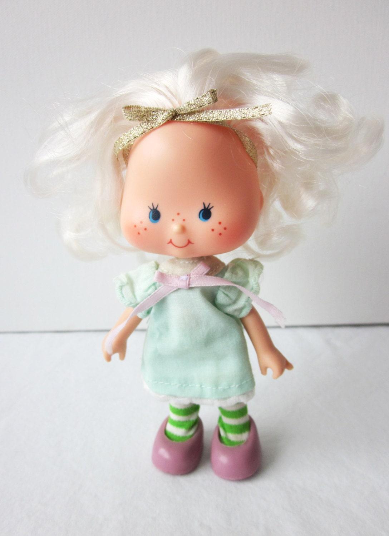 Strawberry Shortcake Angel Cake Doll