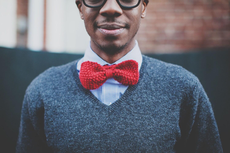 La corbata tejida