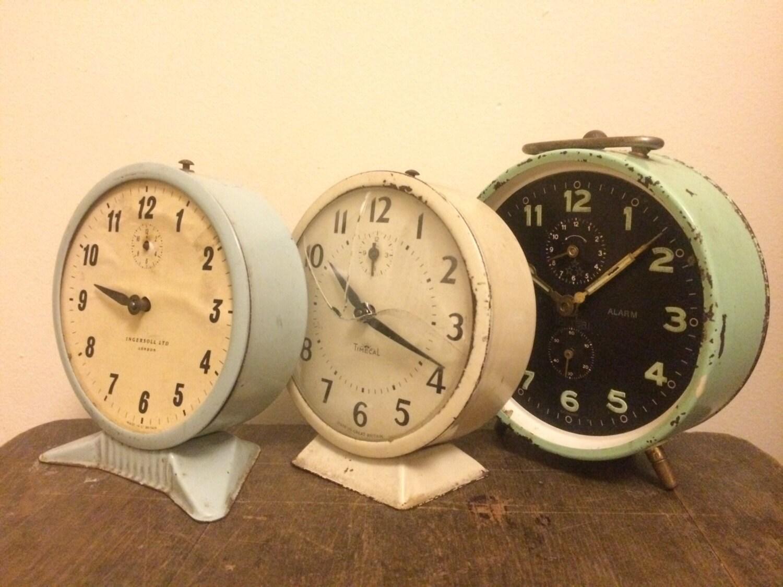 Decorative Vintage Alarm Clocks  Pastels  Shabby Chic  Ingersoll   Non Working  Shop Display.