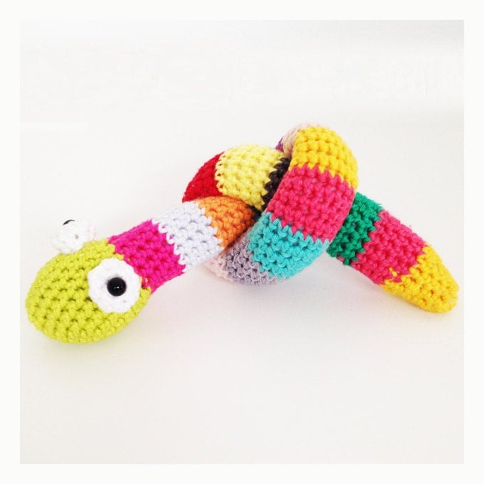 Crochet Lingo : Crochet Snake Pattern - English (US terms) and Dutch version available ...